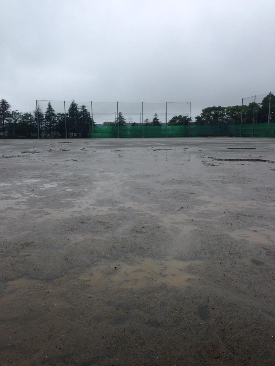 泥濘・水溜りグラウンド