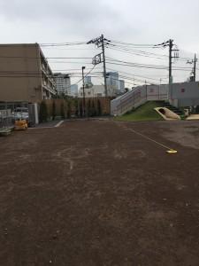 東京都世田谷区内 園庭 グラウンド 砂ぼこり ぬかるみ 対策 工事