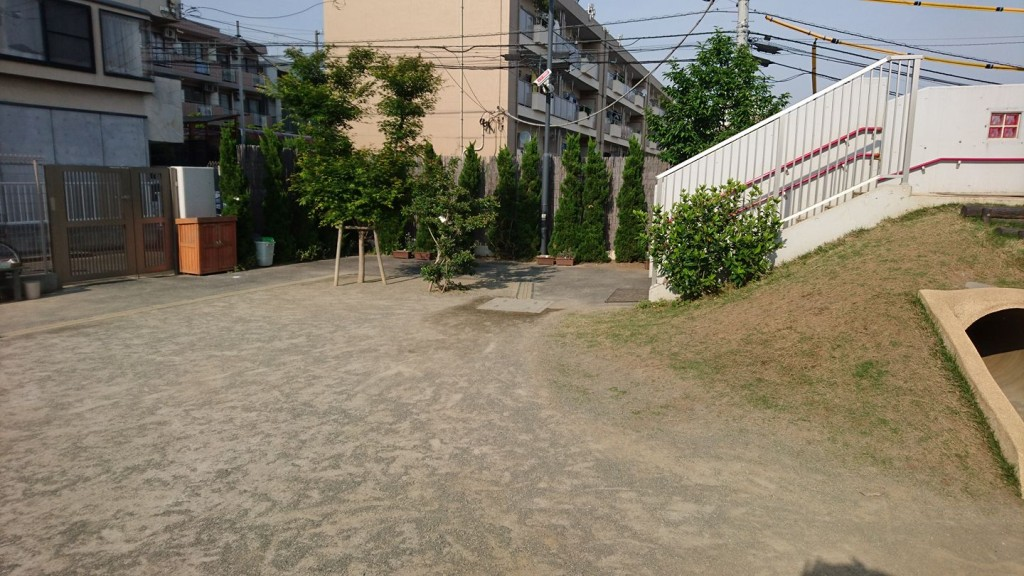 世田谷区内 笑土 園庭