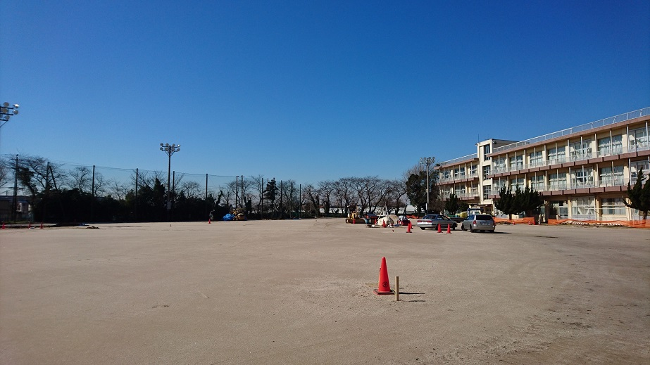 1中学校グラウンド改修工事 岩瀬砂 ヘルシークレー工法
