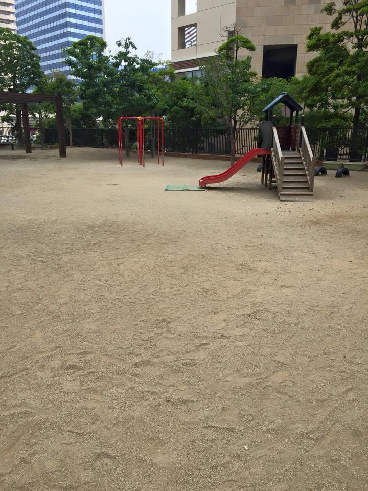 園庭 泥濘 対策