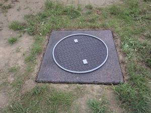 鋳物・コンクリート製蓋 ゴムチップ舗装前 画像1