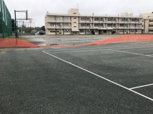 笑土 降雨後 テニスコート