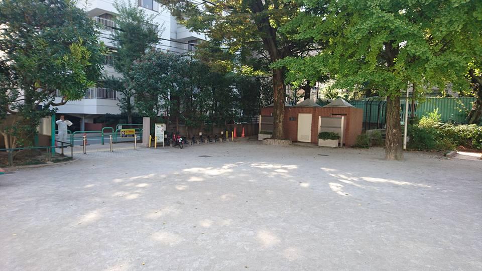 公園 運動広場
